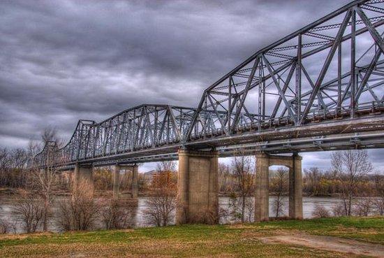Sister Bridge