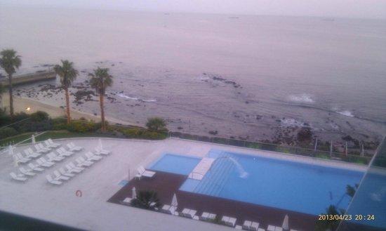 Hotel Cascais Miragem : My room view - evening time