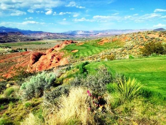 Sand Hollow Golf Course: fun par 3