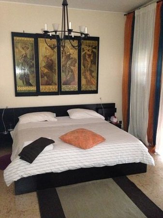 B&B Santa Croce : Main bed