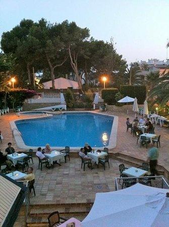 Hotel Cristóbal Colón: Swimming Pool