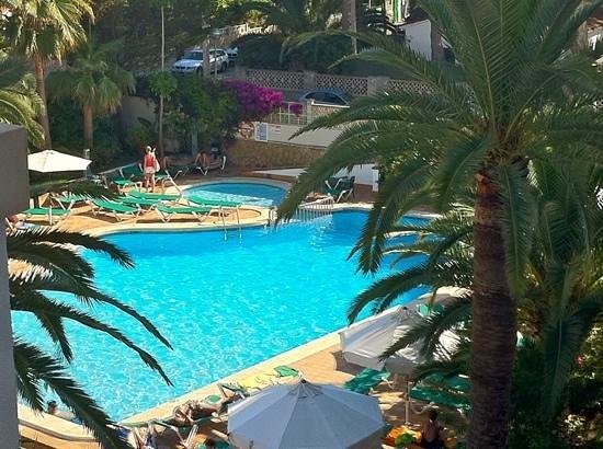 Hotel Cristóbal Colón: pool