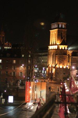 Mercure Strasbourg Centre Petite France : vue de la chambre