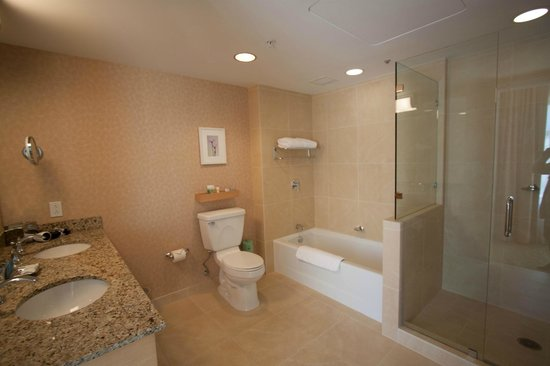 Salle de bain picture of orchard garden hotel san - Hotel salle de bain ...