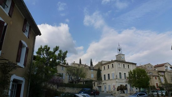 l'Hostellerie du Luberon: place du village