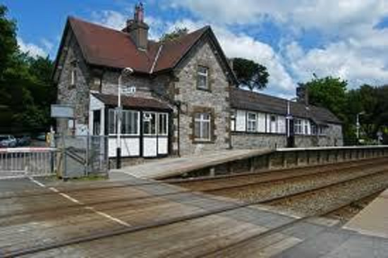 Abbot Hall Hotel: local station..2 min walk