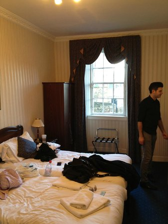 The Ballantrae Hotel: Twin room - not as advertised online
