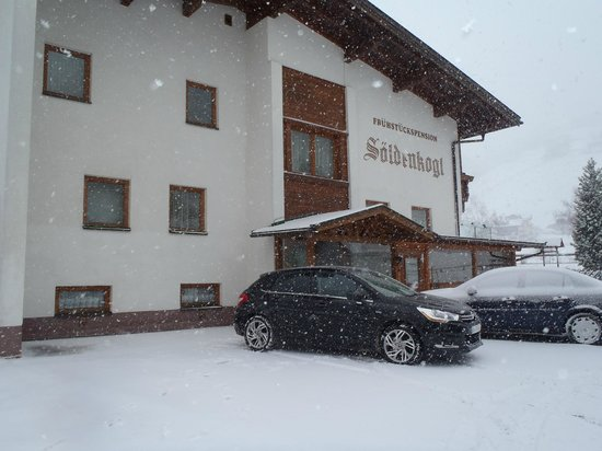 Fruhstuckspension Soldenkogl: Snow storm