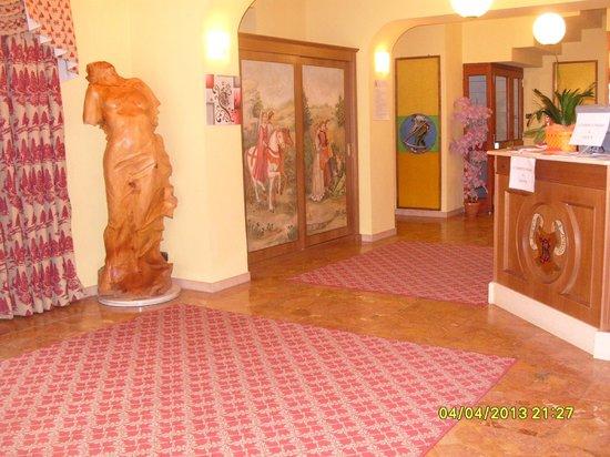Hotel Monterosa : Hall