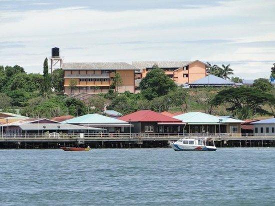 Labuan Hotel Near Beach