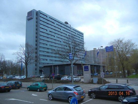 Novotel Amsterdam City: ホテル外観