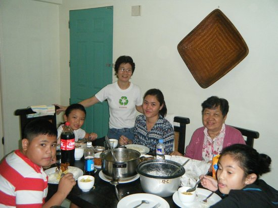 Baguio Vacation Apartments: dining room