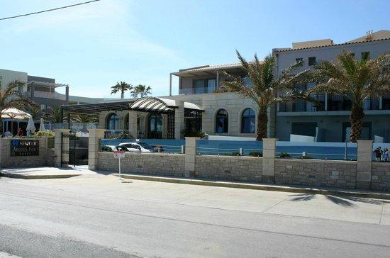 SENTIDO Aegean Pearl: Front of hotel