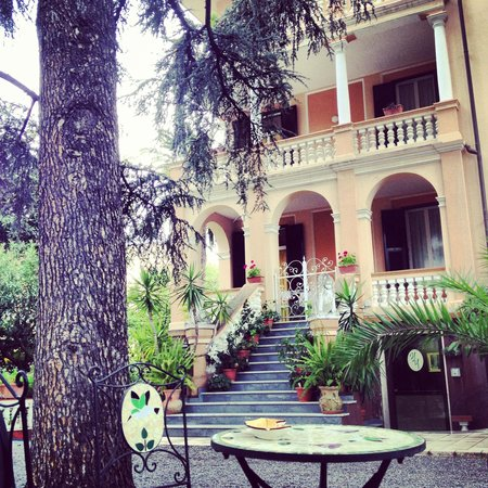Photo of Hotel Villa Iris Loano