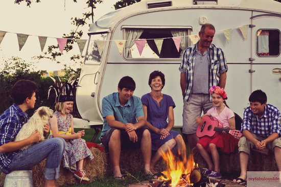 Muddifords Court Country House: Cassie the vintage caravan - to hire
