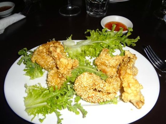 Alice Vietnamese Restaurant: Prawn entree with sharp lettuce