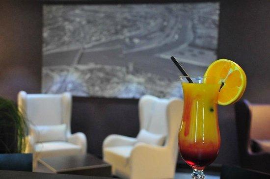 Hotel Rheingarten: Bar & Lounge