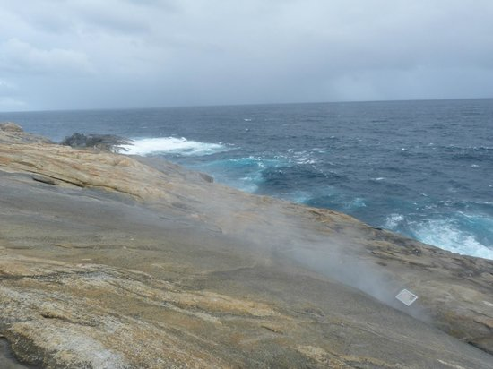 The Blow Holes: Just a fine mist coming out of rock crevice