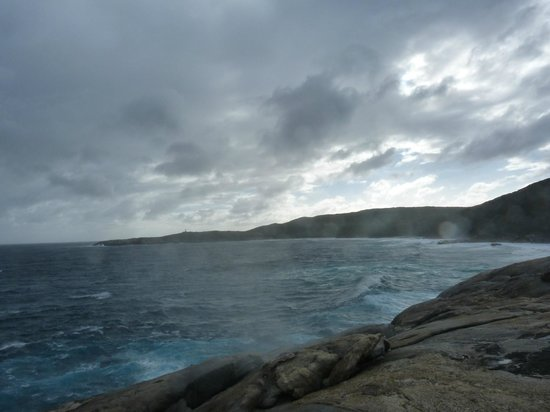 The Blow Holes: Nice view with mist rising