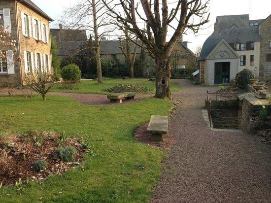Auberge de La Selune: le jardin