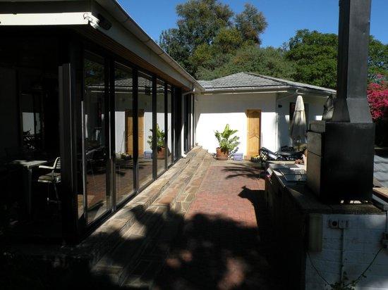Hotel Pension Palmquell: Richtung Pool und Dinner Saal