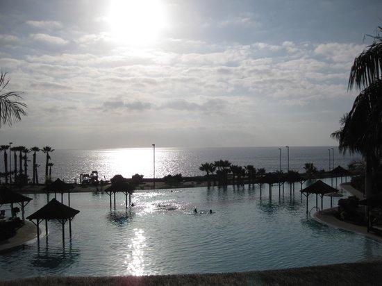 เร้ด เลเวล แอท แกรน เมเลีย ปาซิโอ เดอ อิโซรา: piscina