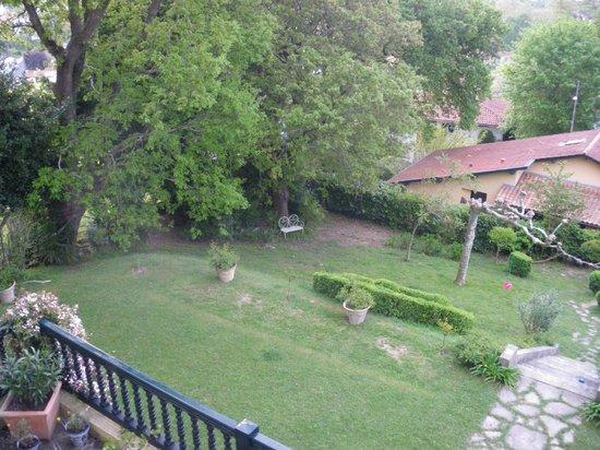 Villa La Croix Basque : vue de la chambre (jardin)