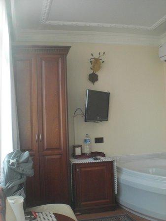 Ada Hotel Istanbul: camera