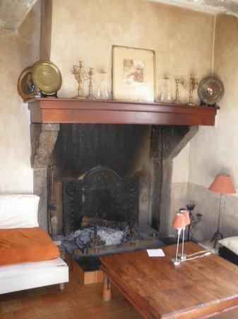 Maison Oyhanartia : cheminée