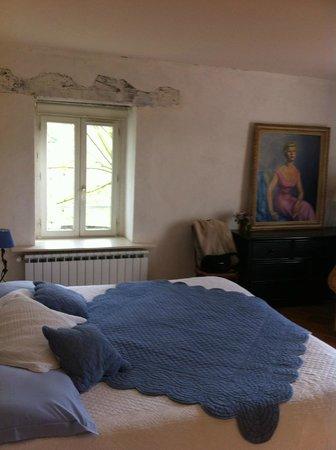 Maison Oyhanartia : chambre bleue
