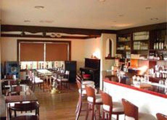 Cafe and Bar Chandra