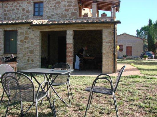 Agriturismo Il Casalino: terrace and loggia