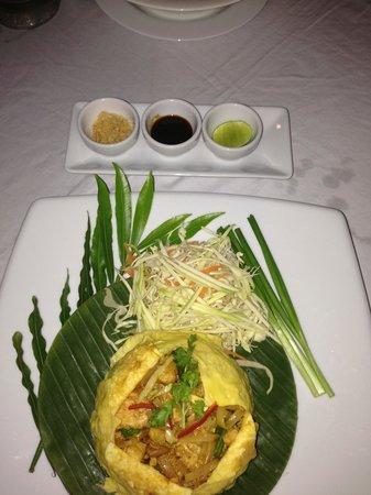 Chantaramas Resort & Spa: Chicken Pad Thai was delicious!