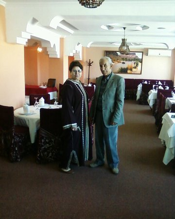 Palace Appart Hotel: moi et ma femme au restaurant