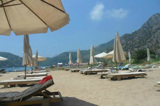The Sugar Beach Club: View from sunbeds....ideal for relaxing