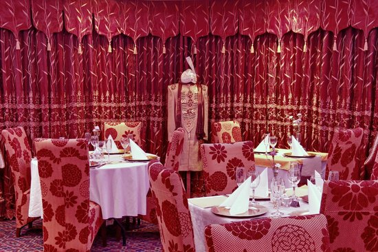 Asian style curtains picture of chandpur indian for Diner style curtains