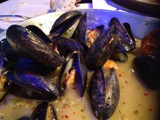 The Big Fish Grille: huge plate of mussels in a lemon sauce yum!