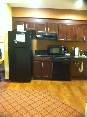 Homewood Suites by Hilton Boston/Cambridge-Arlington : Kitchenette