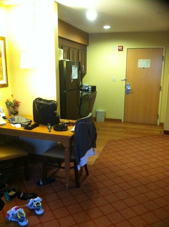 Homewood Suites by Hilton Boston/Cambridge-Arlington : Room from Bed