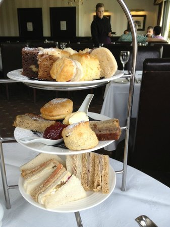 The Popinjay Hotel and Spa: afternoon tea