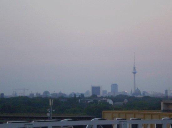 La vista dalla terrazza in alto :) - Bild von aletto Hotel Kudamm ...
