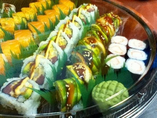 Little Sumo's Sushi Shack: Surf City Roll and others