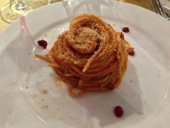 Fattoria Le Corti: spaghetto slsiccia e pomodoro