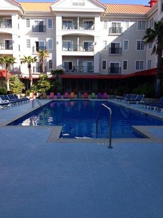 Charleston Harbor Resort & Marina: the pool view from jacuzzi