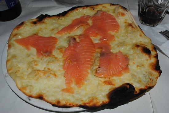 Pizzeria da Remo: pizza salmone