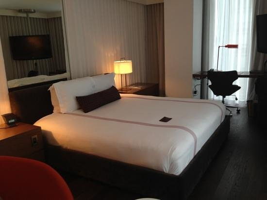 Thompson Toronto - A Thompson Hotel: room