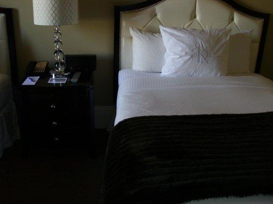 The Kensington Park Hotel : Beds in Kensington
