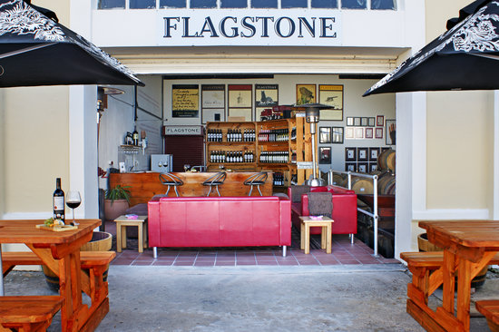 ‪Flagstone Winery‬