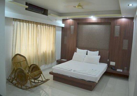 Saish Hotel: Triple Room AC