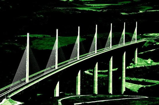La Maison de Louna: pont de millau